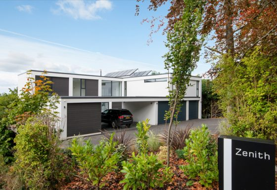 Zenith, contemporary house in Cheltenham