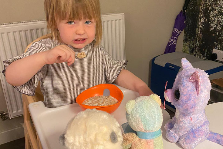 The absolutely gorgeous and perfectly behaved youngest attendee generously shared her breakfast with her three fluffy friends.